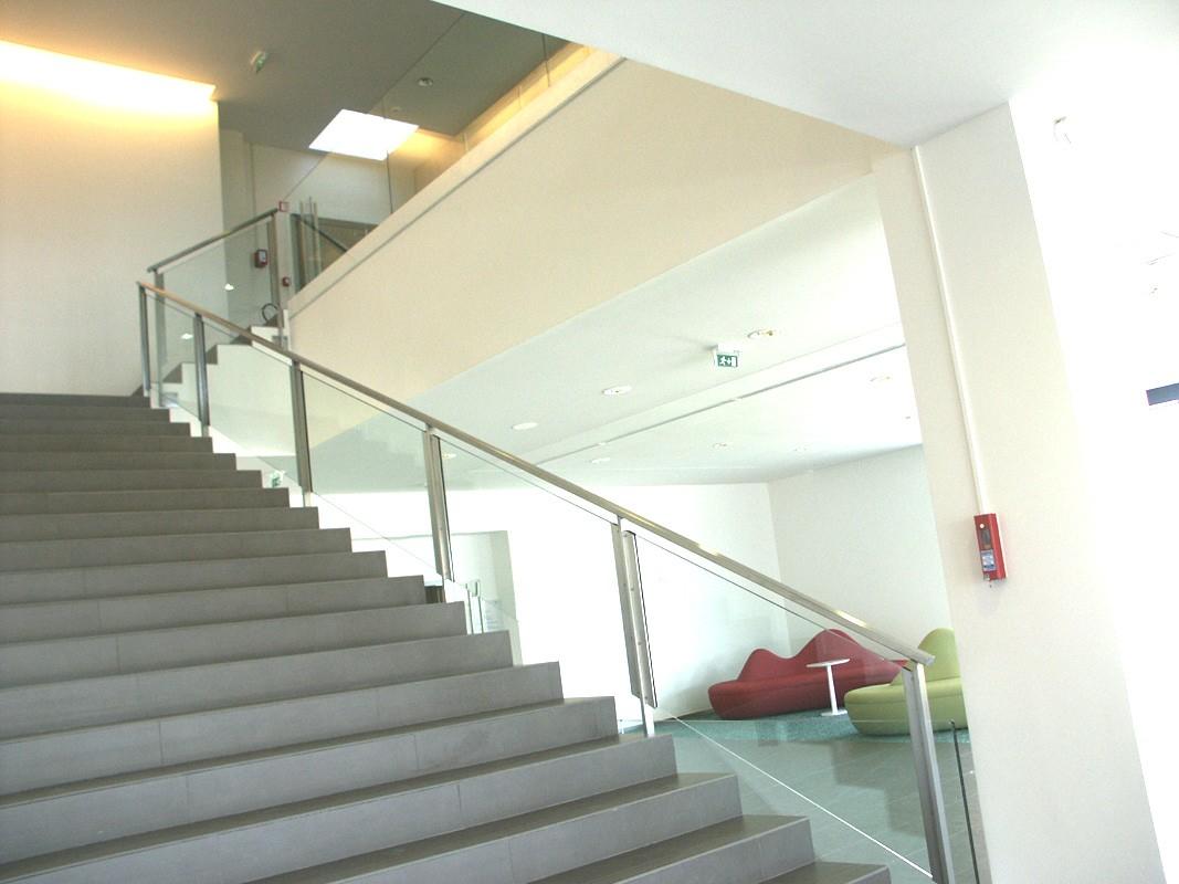 Garde corps métallique, fabricant garde corps escalier inox
